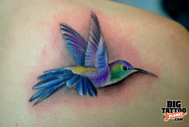 Realistic Cute Hummingbird Tattoos Pictures to pin on Pinterest